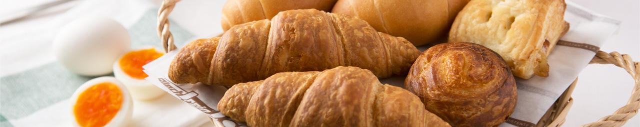 焼きたてパンの香りで目覚める朝
