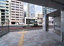 미야기노오도오리 역 남쪽 출구를 나와서 바로 오른쪽으로 꺽습니다.