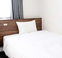 乾淨而機能性高的客房